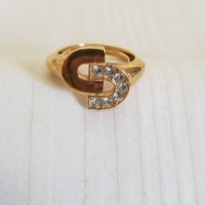 Avon Signed Gold Tone Linking C Ring